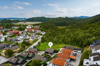 Se Steinhaugbakken 10, 5545 KARMØY bilde 2