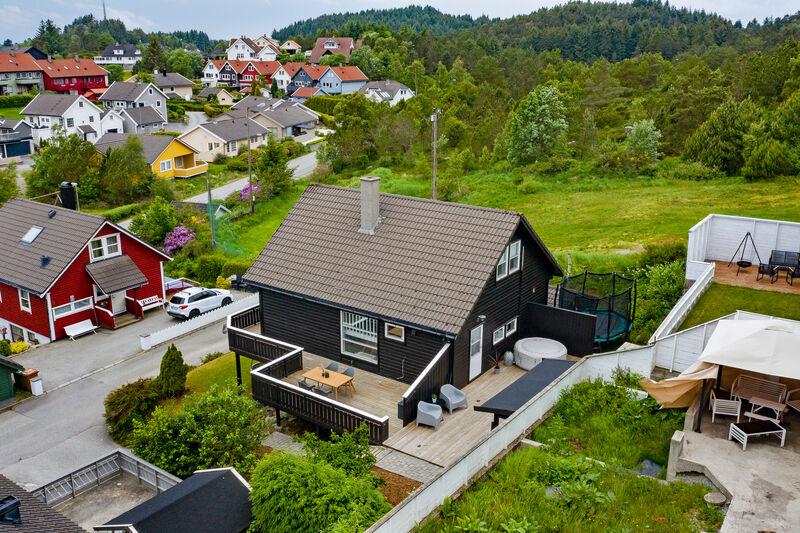 Steinhaugbakken 10, 5545 KARMØY